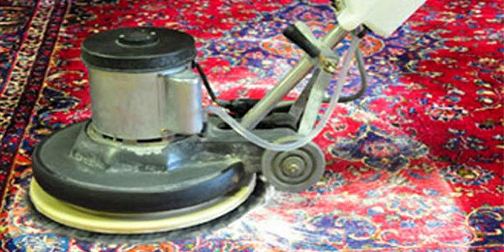 بهترین روش شستشوی فرش چیست؟ مواد شیمیایی یا بخار آب؟