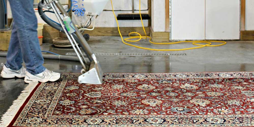 زمان تمیز کردن فرش ها