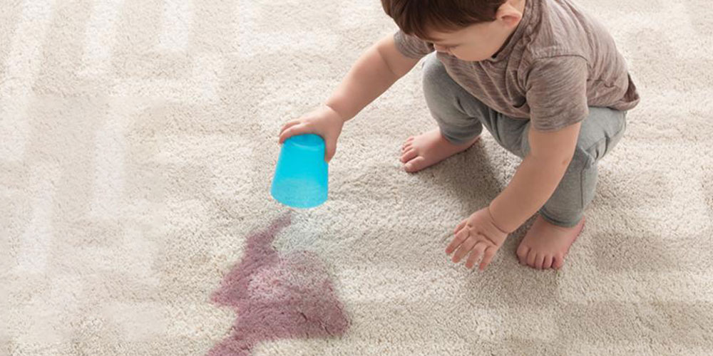 لکه روی فرش