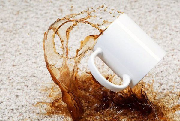Clear the stain of coffee from the carpet