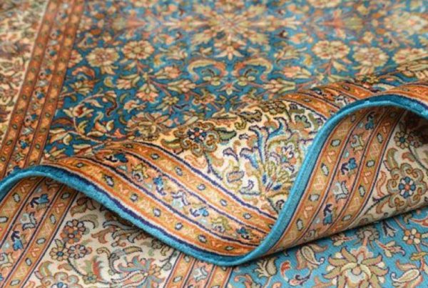 Protecting silk carpets