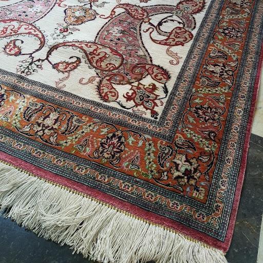 فرش دستباف تمام ابریشم - قالیشویی نوین